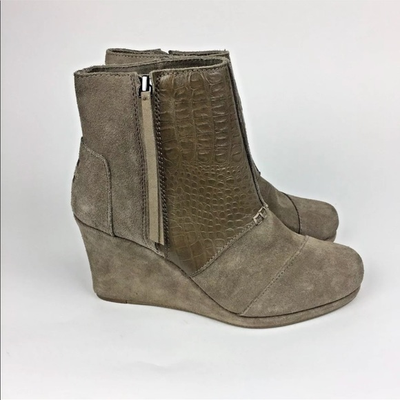 1ed5b37ccca3 TOMS Desert Wedge 7 High Boot Taupe Suede